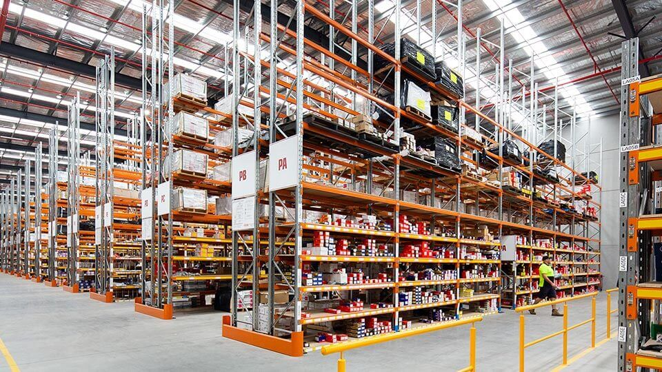Benefits of using a distributor